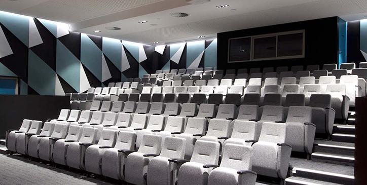 Cara Memilih Kursi Auditorium yang Sesuai
